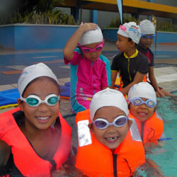 kids-swimming-lessons-1